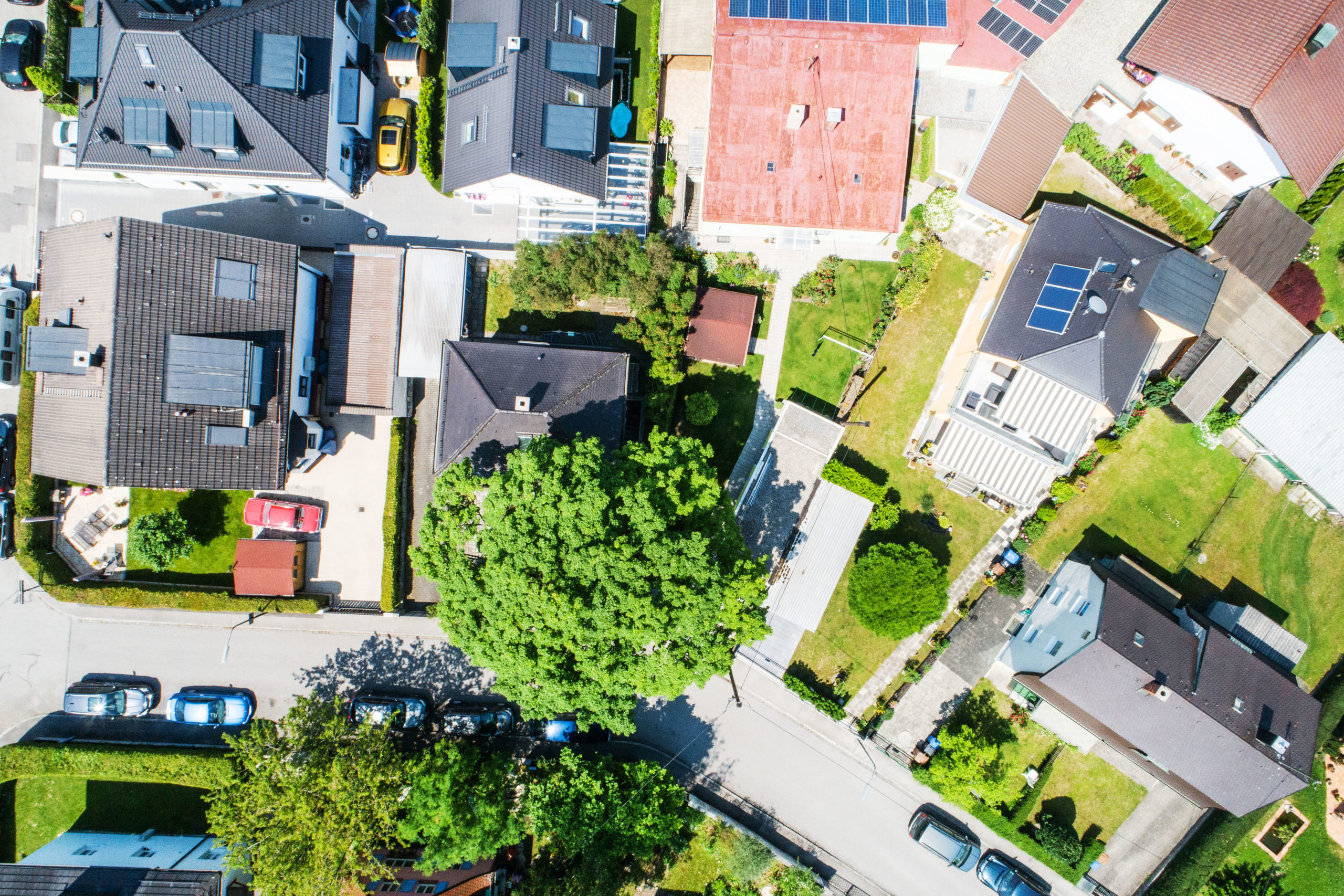 Lubl1, Nachbarschaftsbebauung